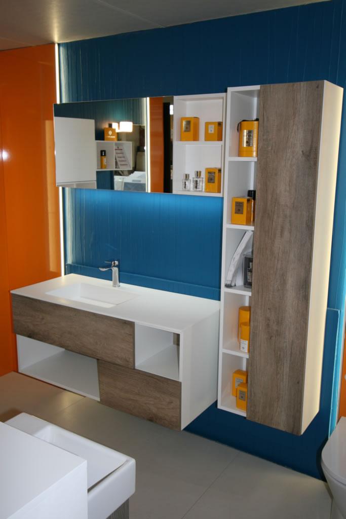 pr sentation de l 39 quipe et du showroom quadrillage. Black Bedroom Furniture Sets. Home Design Ideas
